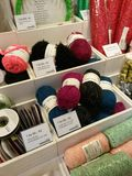 Fils de laine de différentes couleurs Photo stock