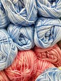 Fils et fil pour la broderie et le tricotage Image stock