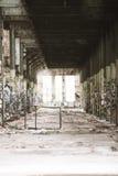 Filtrerat Abandoned förstört industriellt fördärvar inom Royaltyfria Foton