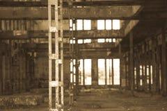 Filtrerat Abandoned vandaliserat industriellt fördärvar inom Royaltyfri Foto