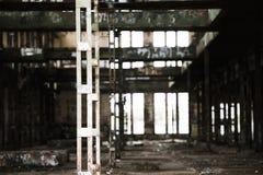 Filtrerat Abandoned vandaliserat industriellt fördärvar inom Royaltyfria Foton