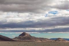 Filtrerat ljus till och med moln på nytt - Mexiko berglandskap royaltyfria bilder