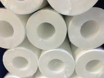 Filtres d'eau Cartouches de carbone, système de filtration de ménage images libres de droits