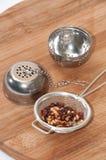 Filtro del tè con il tè della rosa canina Fotografie Stock Libere da Diritti