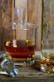 Filtro e vidro do uísque Imagens de Stock Royalty Free