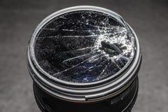 Filtro quebrado y roto en una lente foto de archivo libre de regalías