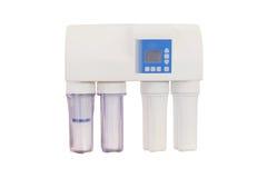 Filtros para purificar el agua potable fotos de archivo