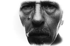 Fim acima da cara do homem, retroiluminado extremos com para fora bordas fundidas e profundidade de campo rasa fotografia de stock