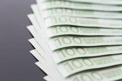 Fim-acima de 100 euro- cédulas Fotografia de Stock Royalty Free