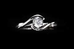 Feche acima do anel de diamante Imagens de Stock Royalty Free