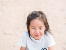 Fim bonito asiático adorável da menina acima do tiro principal Fotos de Stock Royalty Free