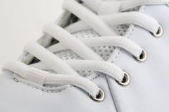 Fim branco da sapata acima Fotografia de Stock