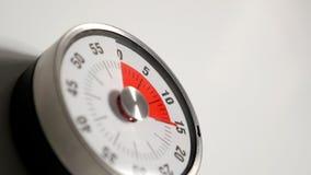 Fim clássico do temporizador da contagem regressiva da cozinha do vintage acima, permanecer de 15 minutos Imagens de Stock