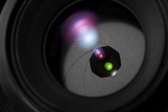 Fim da íris da lente de câmera acima fotografia de stock