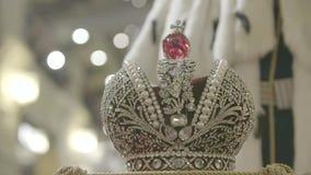 Fim da coroa do ` s do rei acima vídeos de arquivo