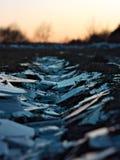 Fim da estrada do gelo de Craked acima imagem de stock