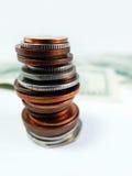 Fim da pilha das moedas do dinheiro acima foto de stock royalty free