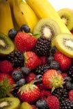Fim da salada de fruta acima imagens de stock royalty free