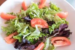 Fim da salada do legume fresco acima foto de stock royalty free