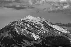 Fim da tarde nos picos italianos imagem de stock royalty free