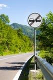 Fim de alcançar o sinal de tráfego rodoviário da proibição foto de stock royalty free