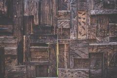 Fim de madeira velho rústico e do grunge da textura da porta acima Foto de Stock Royalty Free