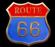 Fim de um estado a outro dourado da rota 66 do sinal de estrada do vintage isolado acima no fundo preto ilustração do vetor