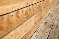 Fim do banco de madeira acima imagem de stock royalty free