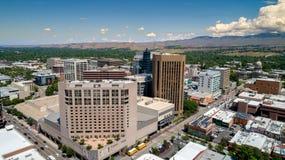 Fim do centro da opinião aérea de Boise Idaho acima de algumas construções em s Imagem de Stock