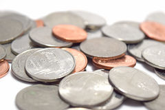 Fim do dinheiro das moedas do baht acima do fundo abstrato Imagem de Stock