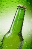 Fim do frasco de cerveja acima Imagens de Stock