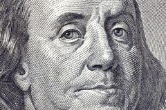 Fim do macro de Ben Franklin acima de $100 Bill Fotografia de Stock Royalty Free