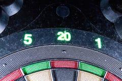 Fim do olho de touro do jogo de mesa do dardo de Eletronic acima imagem de stock royalty free