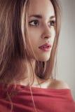 Fim do retrato da forma da jovem mulher acima da cara fêmea Imagens de Stock Royalty Free