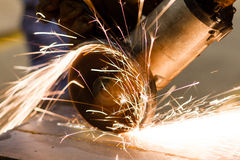 Fim do sawing do metal acima Foto de Stock Royalty Free