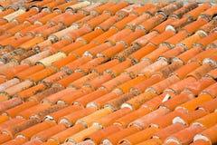 Fim do telhado de telha vermelha acima Fotos de Stock Royalty Free
