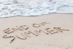 Fim do texto do verão na praia Fotografia de Stock Royalty Free