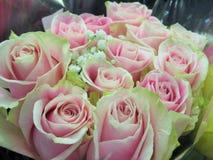 Fim lindo & atrativo acima de Rose Flowers Bouquet cor-de-rosa imagem de stock