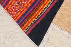 Fim peruano tailandês colorido da superfície do tapete do estilo acima Mais deste motivo & de mais matérias têxteis em meu porto  Fotografia de Stock