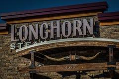 Fim principal do sinal da churrasqueira de Longhorn acima Imagens de Stock
