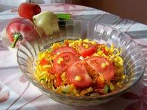 Fim vegetal da salada do macarronete acima fotografia de stock