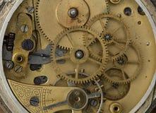 Fim velho do maquinismo de relojoaria acima Conceito velho da tecnologia fotografia de stock