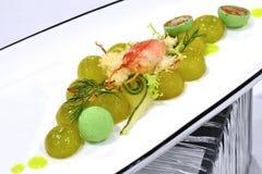 Fin äta middag kall aptitretareskärm - grön druvasallad med Cra fotografering för bildbyråer