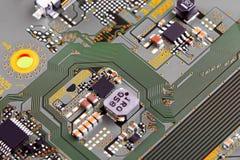 Fin électronique de carte vers le haut image stock
