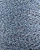 Fin bleue de macro de bobine de fil de laine  Images libres de droits