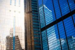 Fin commerciale moderne de bâtiment vers le haut de vue image libre de droits