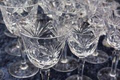 Fin Crystal Glasses Shining Felt Table produkt som dricker Gastron Royaltyfri Fotografi