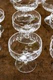 Fin Crystal Glasses Shining Felt Table produkt som dricker Gastron Arkivbild