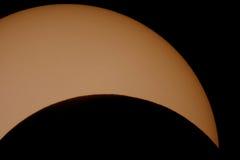Fin d'éclipse solaire vers le haut. image libre de droits