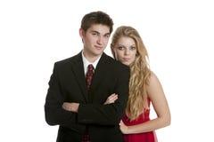 Fin d'adolescent attrayante de position de couples ensemble image stock